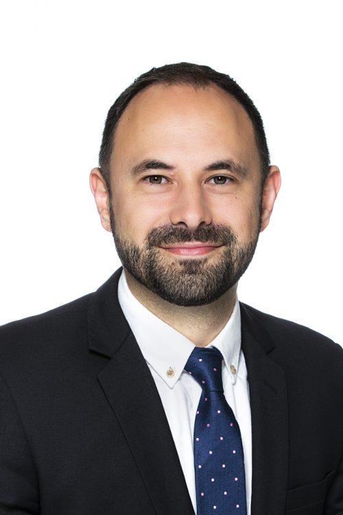 Business Headshot of Peter Erceg
