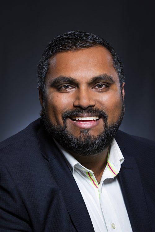 Corporate Headshot of Shafraz Kahn